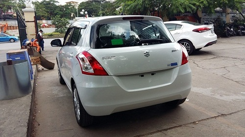 suzuki-swift-giao-ve-ung-hoa
