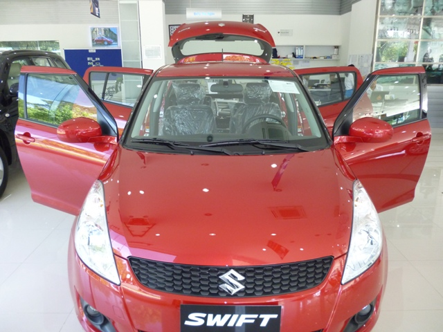 swift đỏ 2013 3